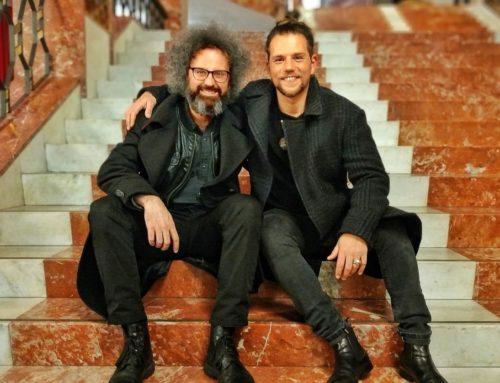 Simone Cristicchi torna a Sanremo e accompagna Enrico Nigiotti nella serata speciale