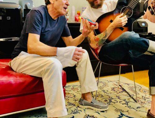 Jovanotti regala 'L'allegria' a Gianni Morandi che torna così in pista dopo il brutto incidente di marzo